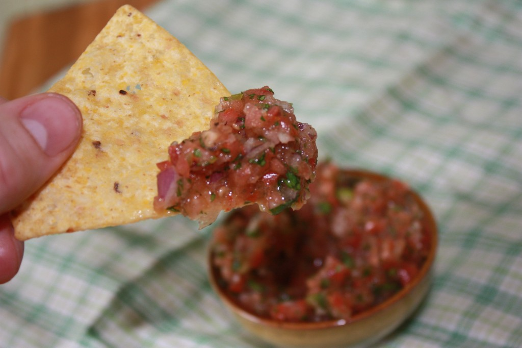 easy tomato salsa | the kitchen paper