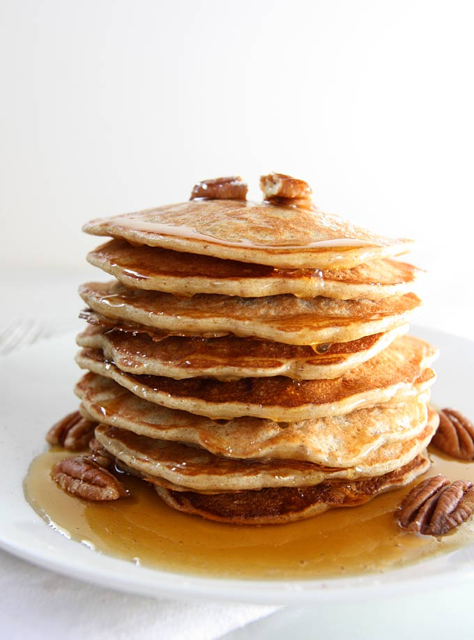 Banana Pecan Pancakes | thekitchenpaper.com