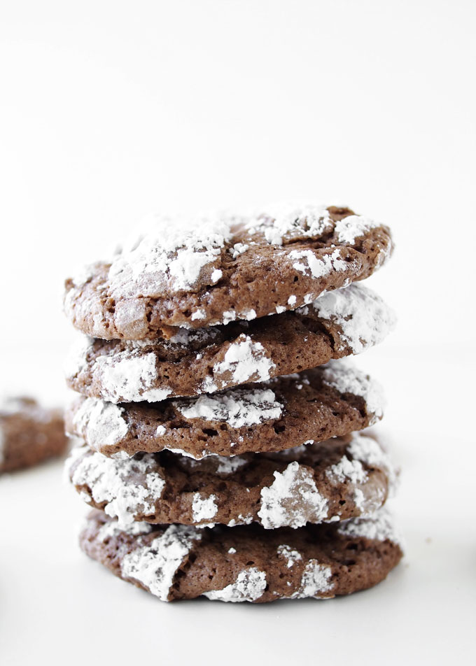 Chocolate Crackle Cookies | thekitchenpaper.com