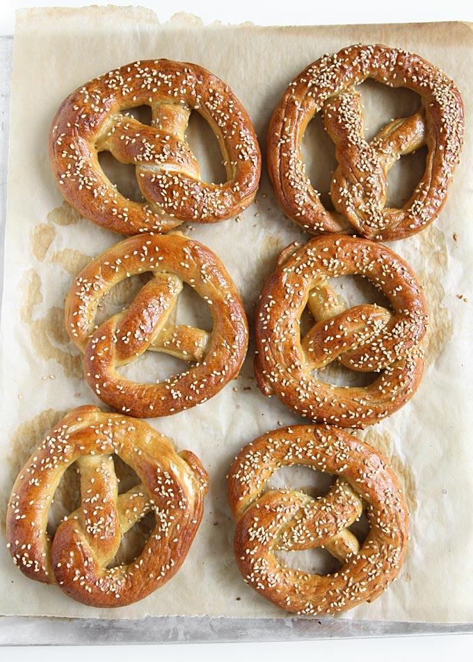 Soft Pretzels | thekitchenpaper.com