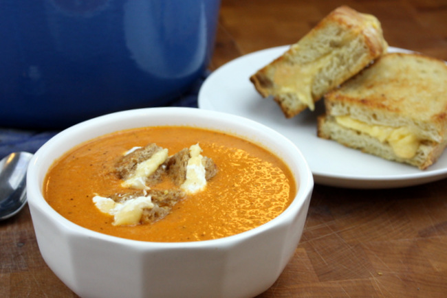 tomato soup with green chiles and grilled cheese