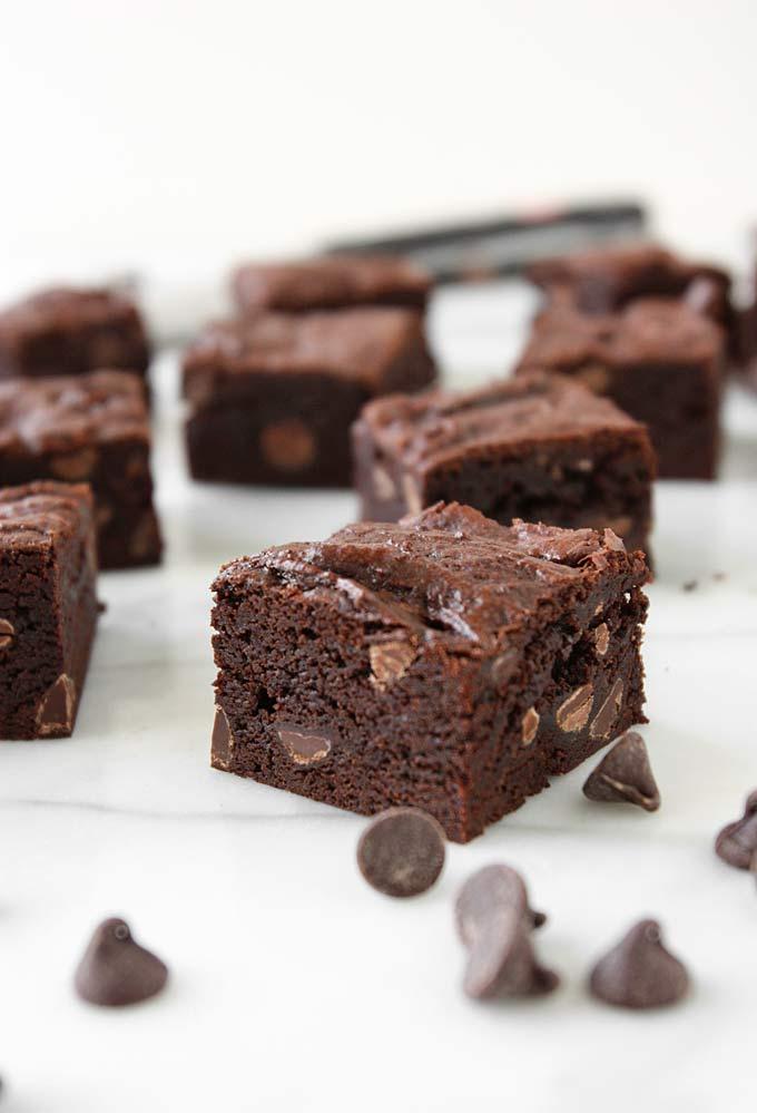 Favorite Fudge Brownies | thekitchenpaper.com