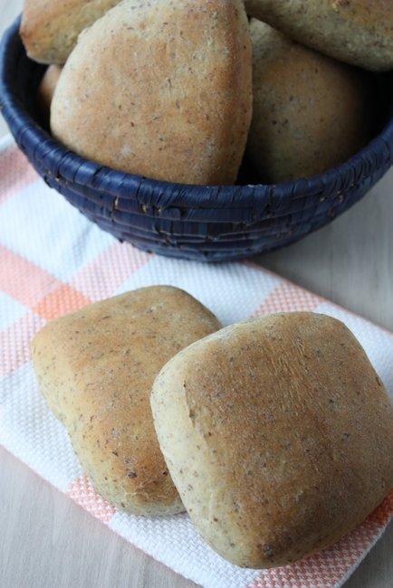 rustic wheat buns