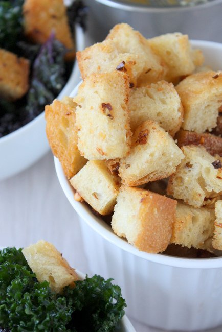 spiced garlic croutons