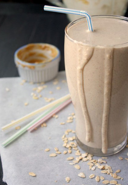 Peanut Butter-Banana Oatmeal Smoothie | thekitchenpaper.com
