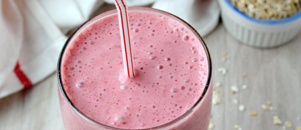 Strawberries and Cream Oatmeal Smoothie