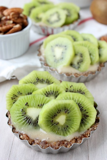 raw kiwi banana tarts