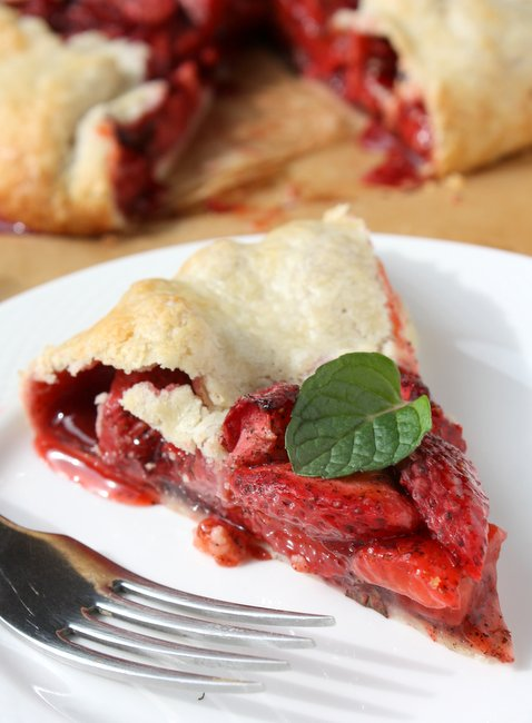 strawberry vanilla mint galette