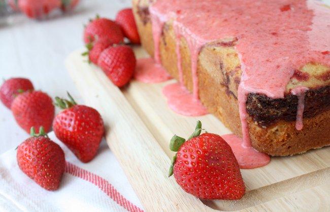 strawberry swirl pound cake