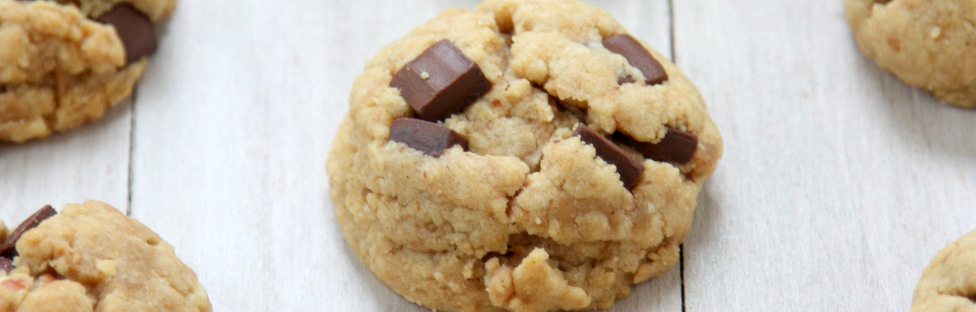 soft peanut butter chocolate chunk cookies