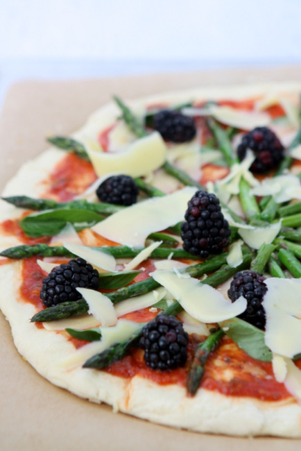 Blackberry Asparagus Gruyère Pizza