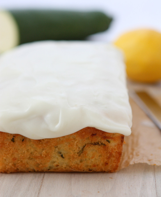 Lemon Zucchini Loaf | thekitchenpaper.com