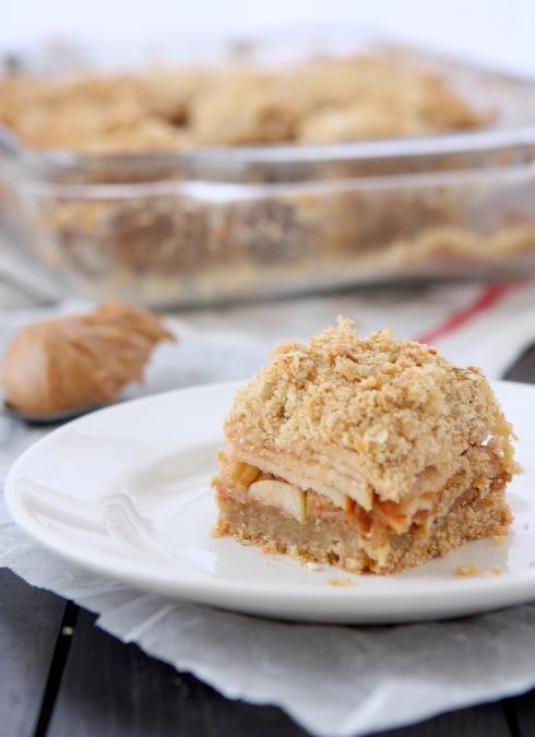 Apple Peanut Butter Oatmeal Bars | thekitchenpaper.com