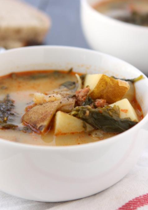 Chorizo, Potato, & Kale Soup | thekitchenpaper.com
