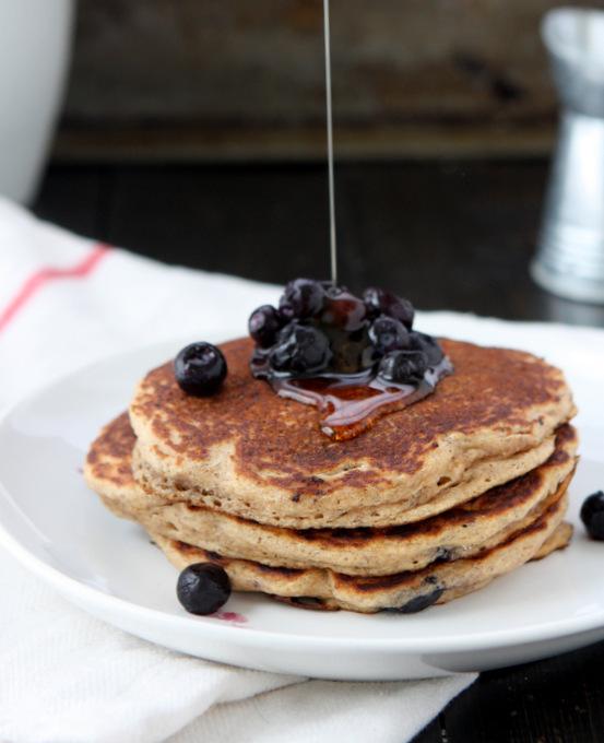 Whole Wheat Blueberry Pancakes | thekitchenpaper.com