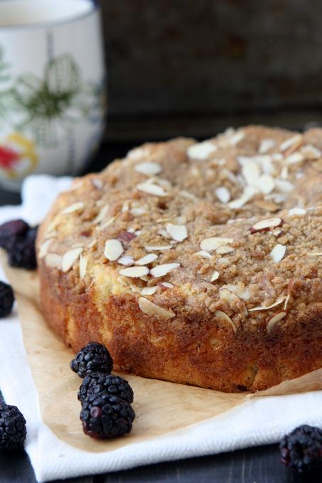 Blackberry Almond Coffee Cake | thekitchenpaper.com
