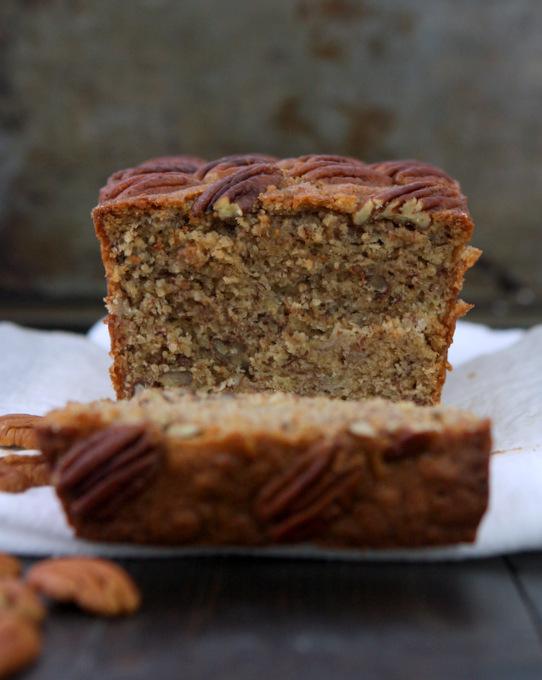 Pecan Banana Bread | thekitchenpaper.com