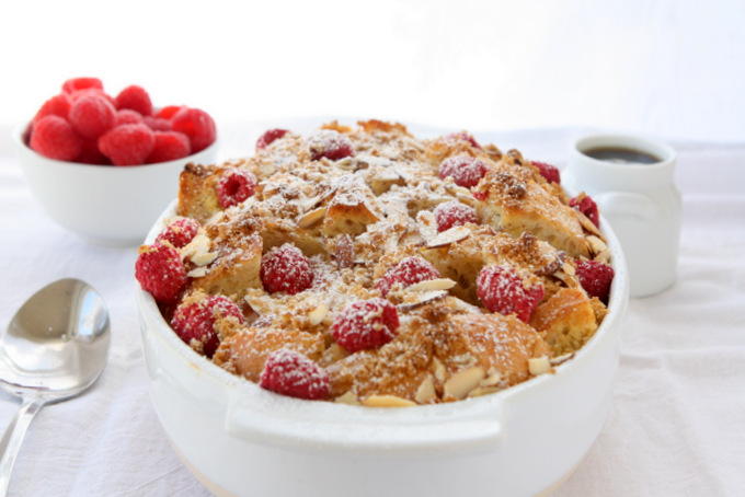 Raspberry Almond French Toast | thekitchenpaper.com