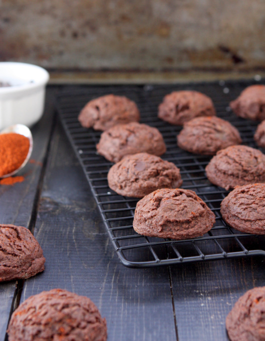 Chocolate Chili Cookies | thekitchenpaper.com