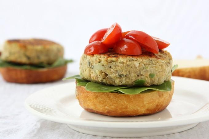 White Bean Quinoa Veggie Burgers