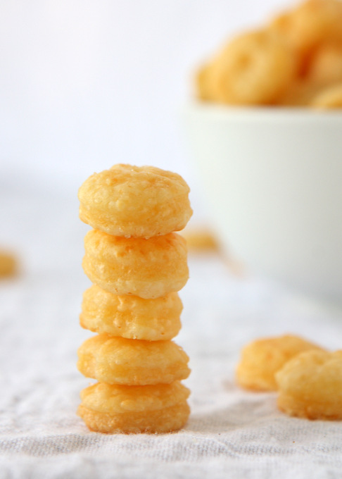 Gruyere Cheese Crackers | thekitchenpaper.com