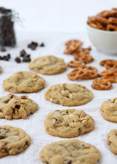 Chocolate Chip Pretzel Cookies | thekitchenpaper.com