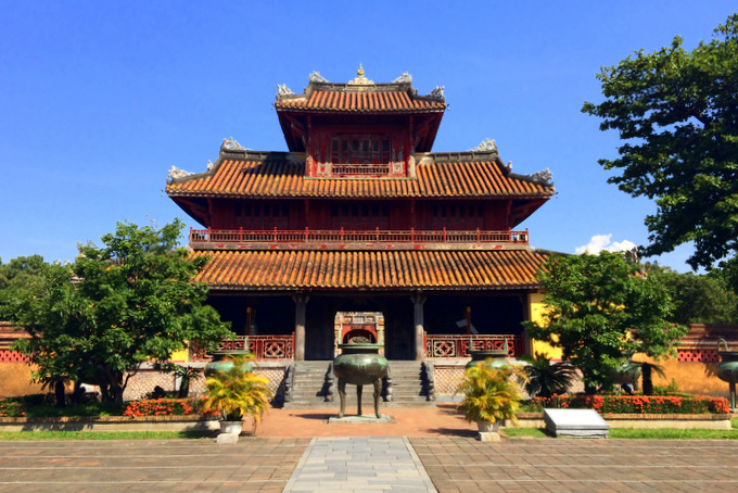 Inside the Citadel in Hue, Vietnam | thekitchenpaper.com