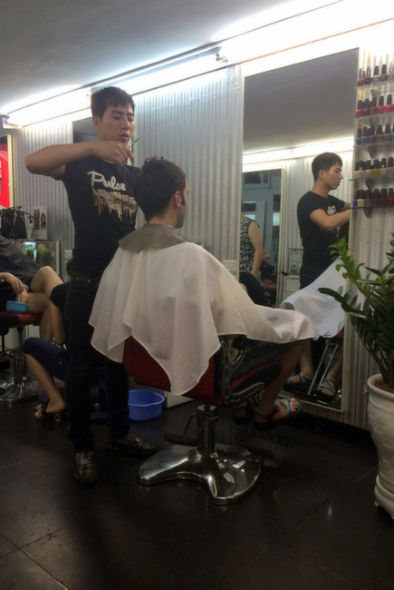 Haircut in Hanoi | thekitchenpaper.com