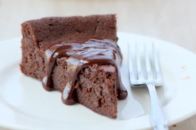 15 Easy Gluten-Free Dessert Recipes | thekichenpaper.com