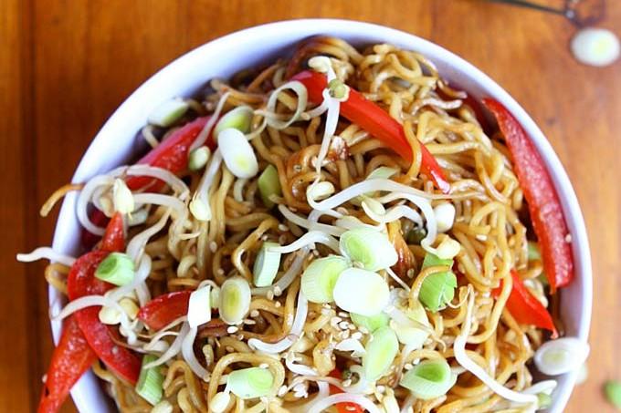 Garlic Sesame Crispy Pan Fried Noodles