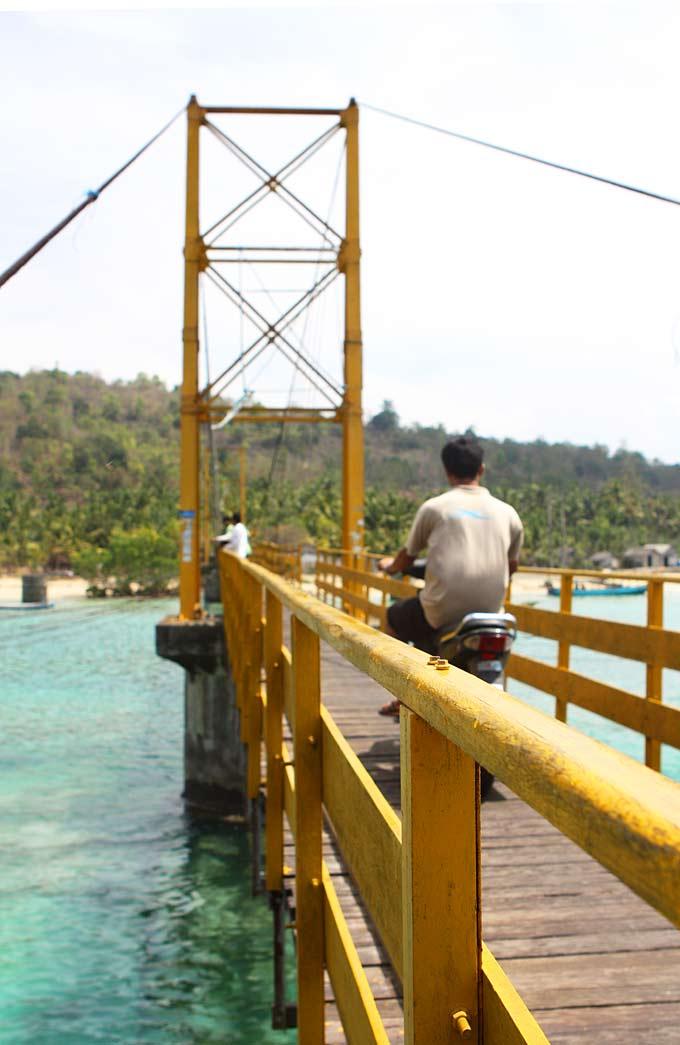 Nusa Lembongan via thekitchenpaper.com