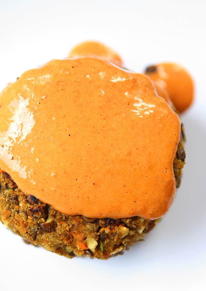 Lemongrass Lentil Cakes with Goji Tahini Sauce | thekitchenpaper.com