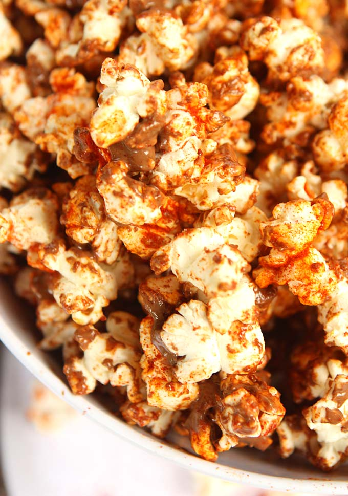 Milk Chocolate Paprika Popcorn | thekitchenpaper.com