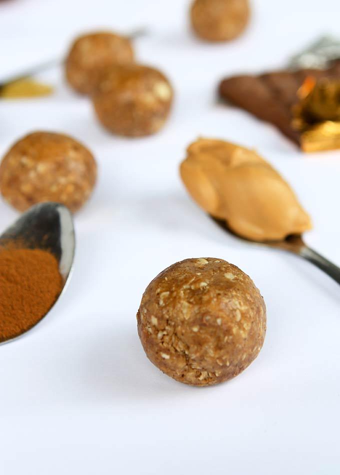 Cinnamon Peanut Butter Maca Power Balls | thekitchenpaper.com