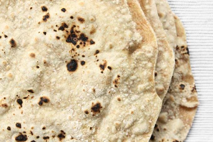 Spelt Phulka (Whole Wheat Indian Flat Bread)