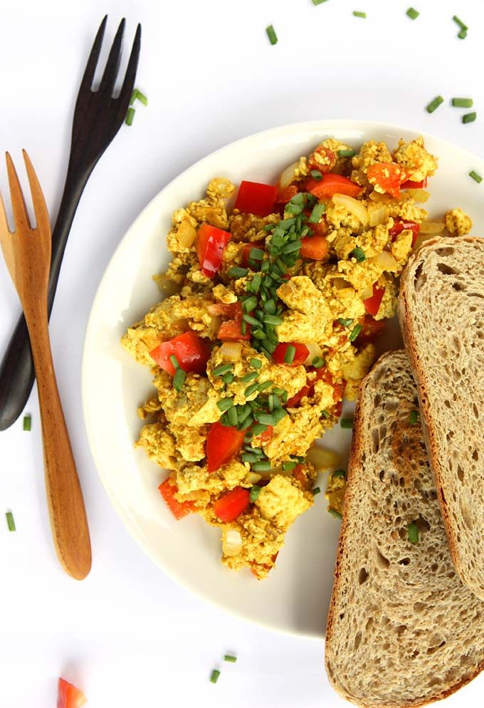 Curry Tofu Breakfast Scramble | thekitchenpaper.com