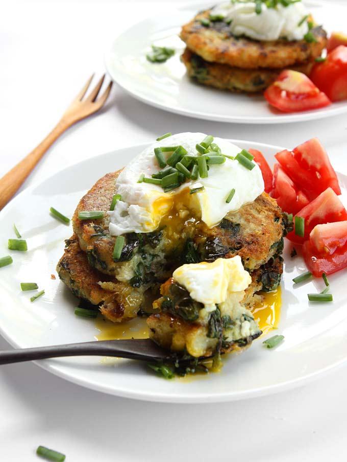 Garlic Spinach Potato Pancakes with Poached Eggs | thekitchenpaper.com
