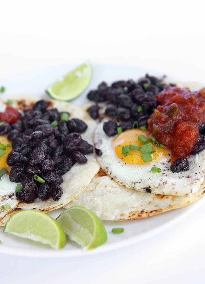 5 Minute Huevos Rancheros | thekitchenpaper.com