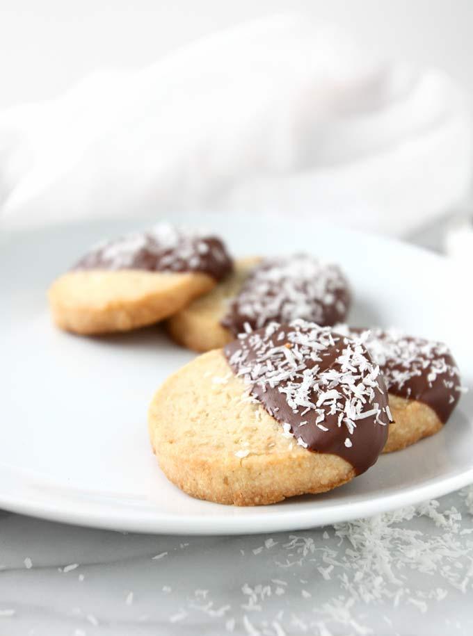 Toasted Coconut Candied Lemon Shortbread | thekitchenpaper.com