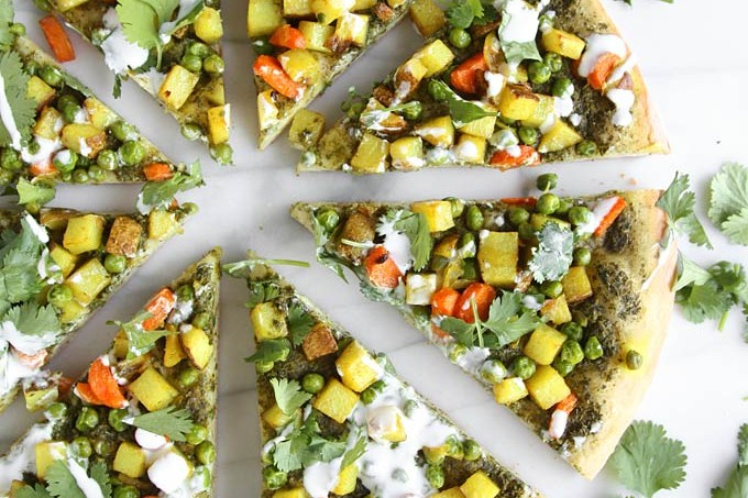 Vegetarian Samosa Pizza