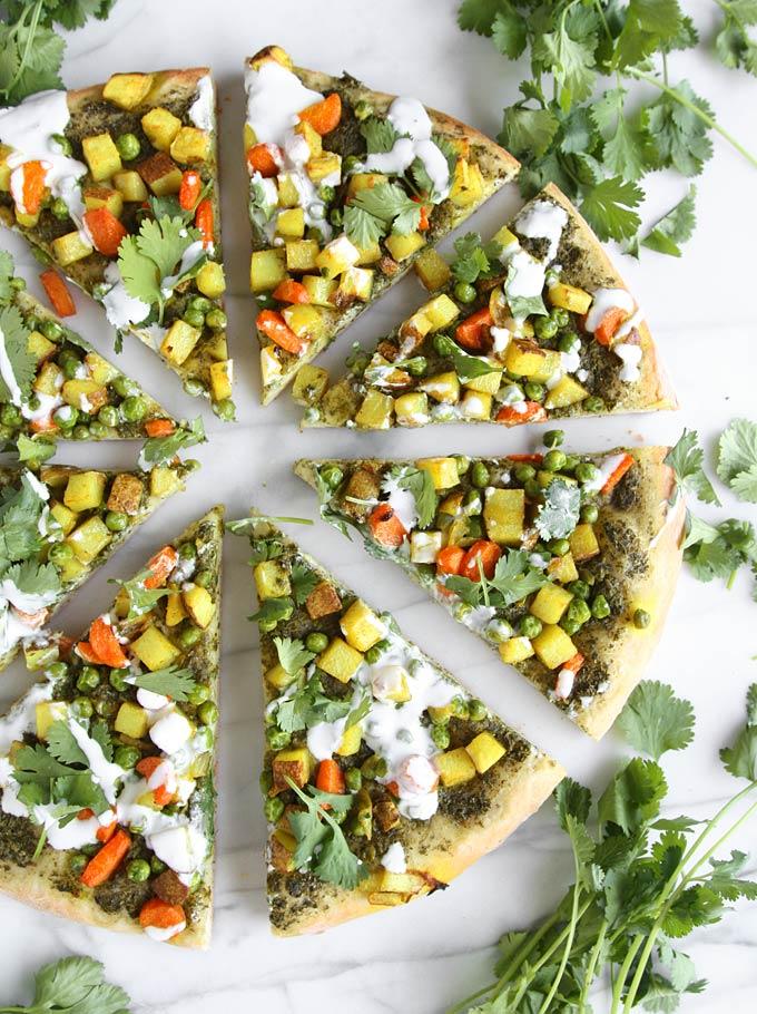 Vegetarian Samosa Pizza | thekitchenpaper.com