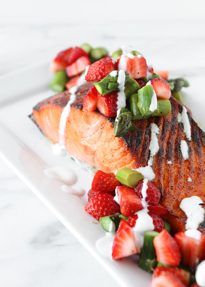 Brown Sugar Salmon with Asparagus Strawberry Topping | thekitchenpaper.com