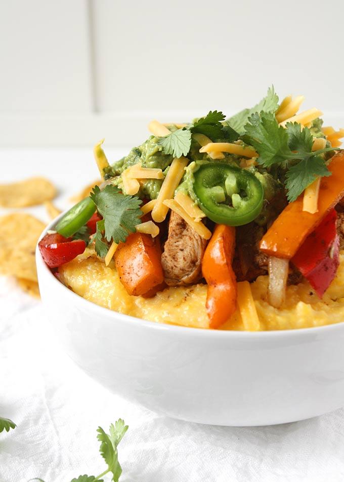 20 Minute Chicken Fajita Polenta Bowls | thekitchenpaper.com