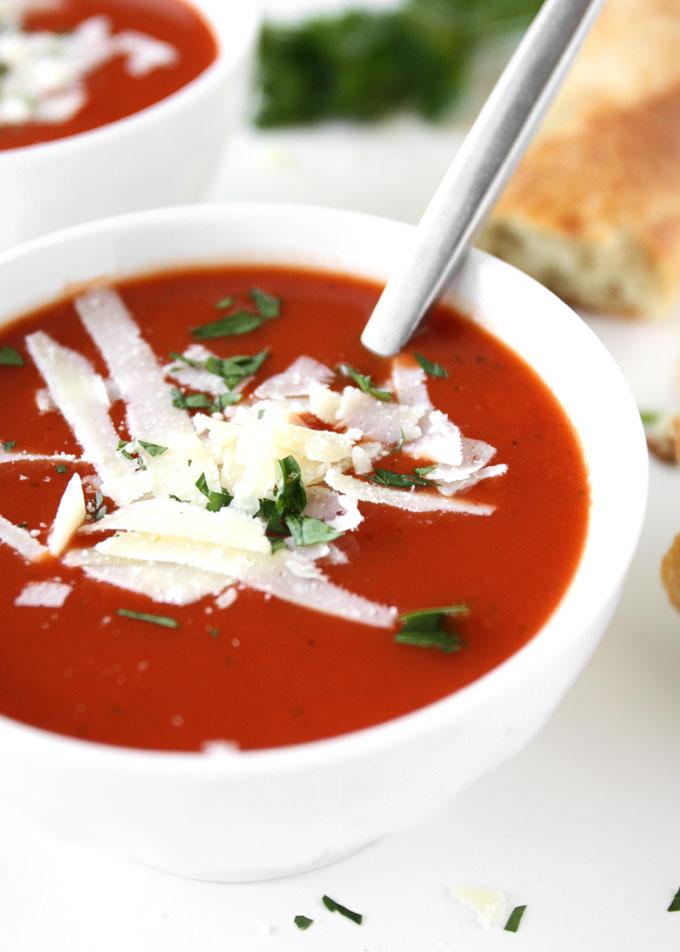Classic Tomato Soup | thekitchenpaper.com