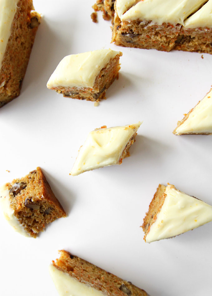Orange Carrot Cake Bars | thekitchenpaper.com