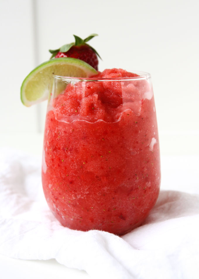 Strawberry Lime Coconut Water Slushie | thekitchenpaper.com