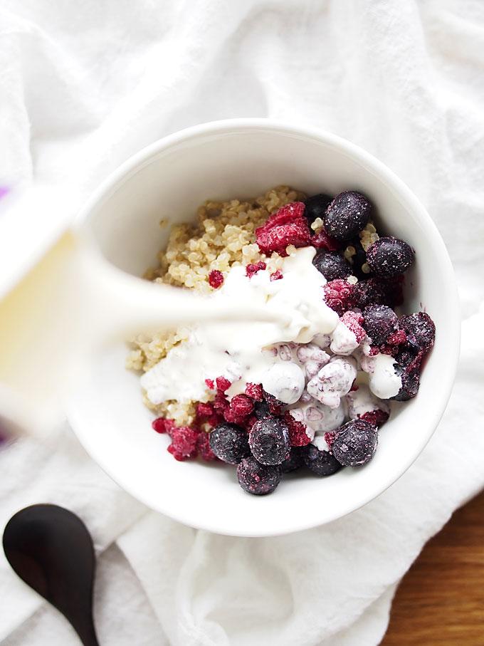 2-Minute Berry Breakfast Quinoa | thekitchenpaper.com