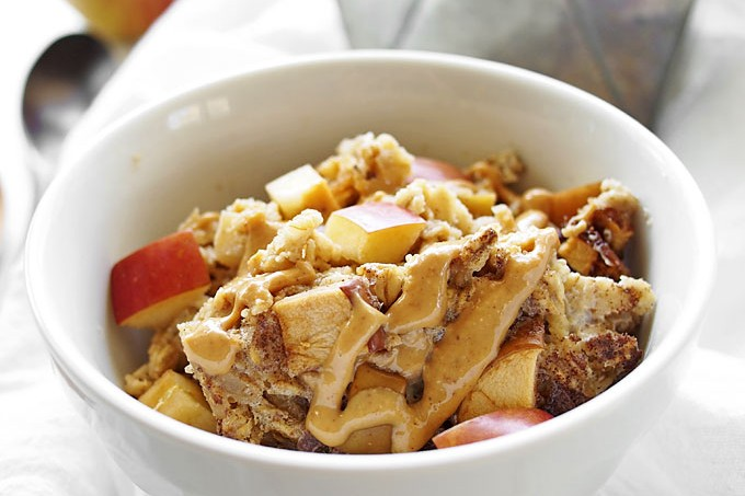 Apple Peanut Butter Baked Oatmeal