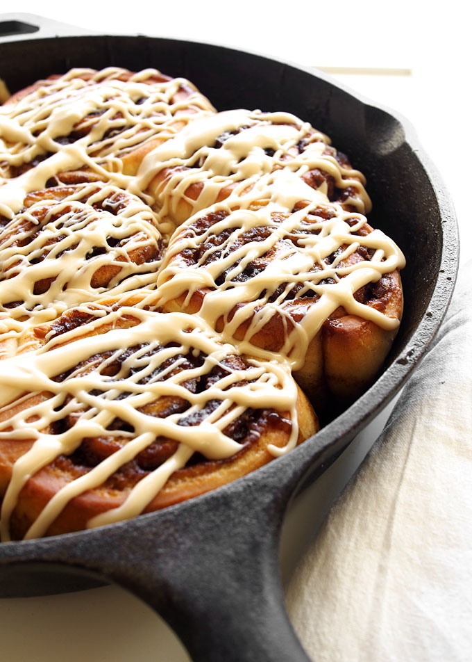 Maple Syrup Cinnamon Rolls | thekitchenpaper.com