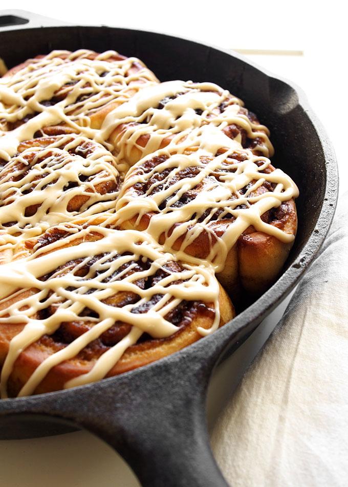 Maple Syrup Cinnamon Rolls | thekitchenpaper.com